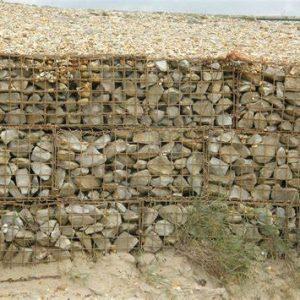 Le gabion, une clôture originale mélangeant grillage et minerais